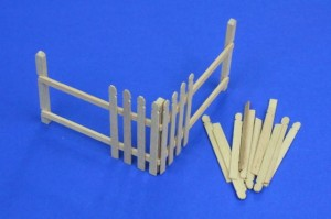 WOODEN PALING / FENCE - CORNER SECTION #35D04 1/35 RB
